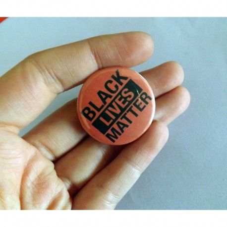 Black Lives Matter BLM button pin badge chapa