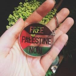 Free palestine now acrylic keychain llavero